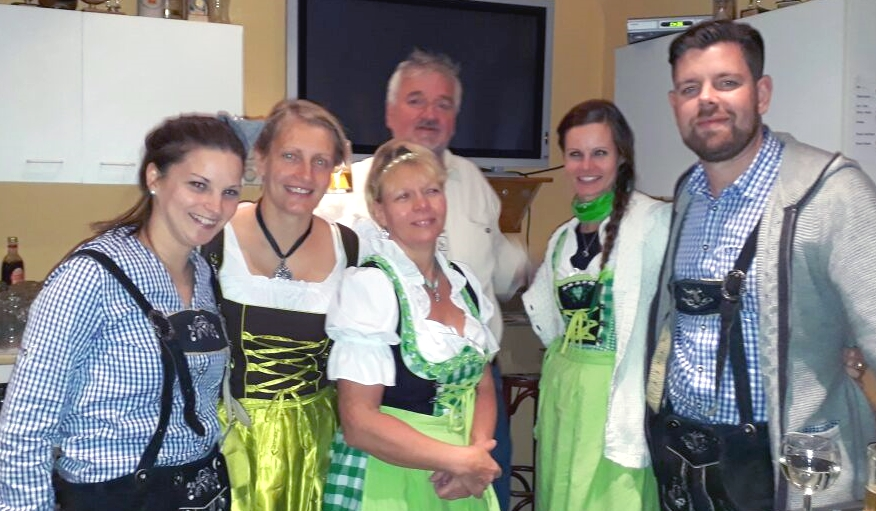 Hopfenhexes Oktoberfest-familyklein